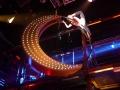 chiambretti-night-allestimento-attrezzi-di-scena-acrobatici-1